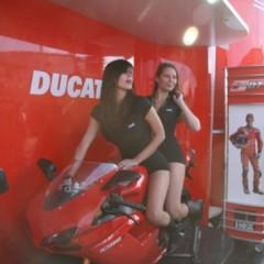 Foto 7 de 35 de la galería las-pit-babes-de-estoril-en-una-ducati-1098 en Motorpasion Moto