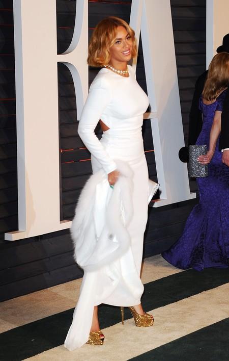 Beyoncé, de blanco impoluto