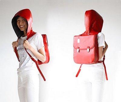 Hood Bag, mochila con capucha incorporada