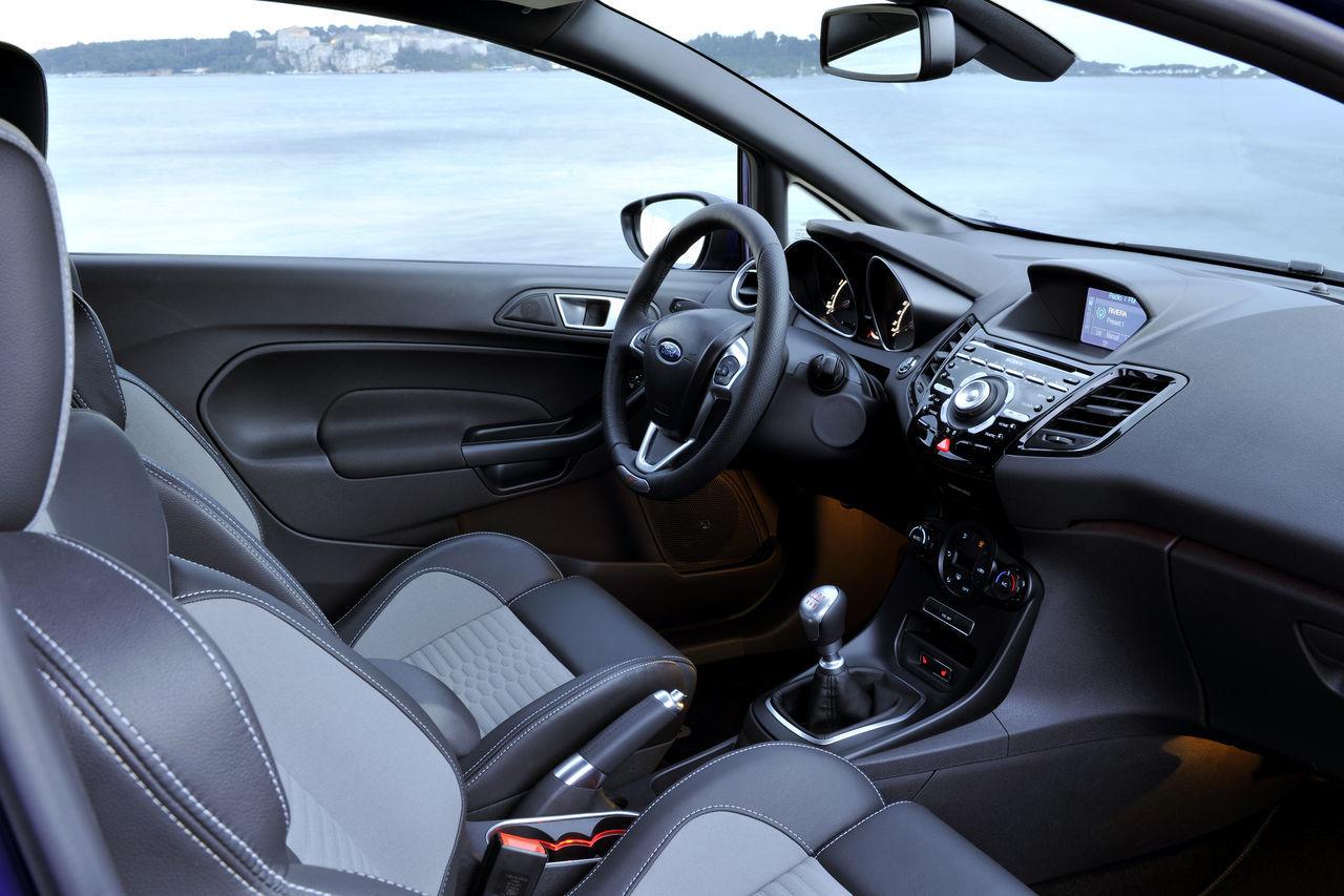 Foto de Ford Fiesta ST 2013 en Francia (46/50)
