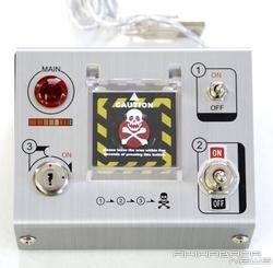 Botón USB de autodestrucción en acción