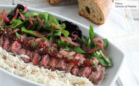 Tataki de presa de ternera con basmati especiado, una receta sin grasas