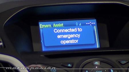 La llamada de emergencia automática (eCall) vendrá de serie en 2015