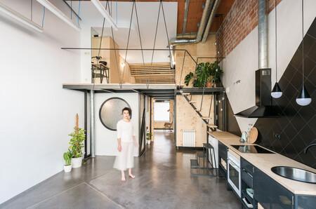 Soluciones funcionales: una estructura para ganar espacio y construir un dormitorio elevado