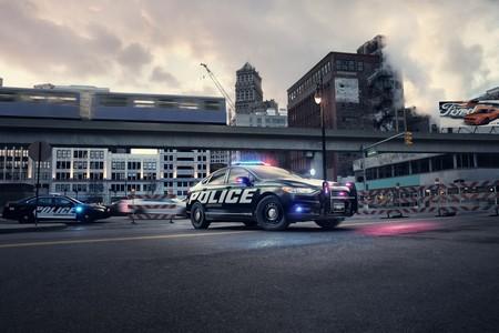 Police Responder Hybrid Sedan 1 1