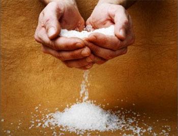 Una dieta baja en calorías y sal para estar más sanos