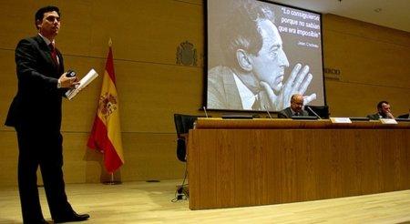 La ley de incompatibilidades no frena el fichaje por Tuenti del ex director general de Red.es