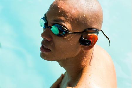 Sony Walkman W270, llévate tu música hasta la piscina