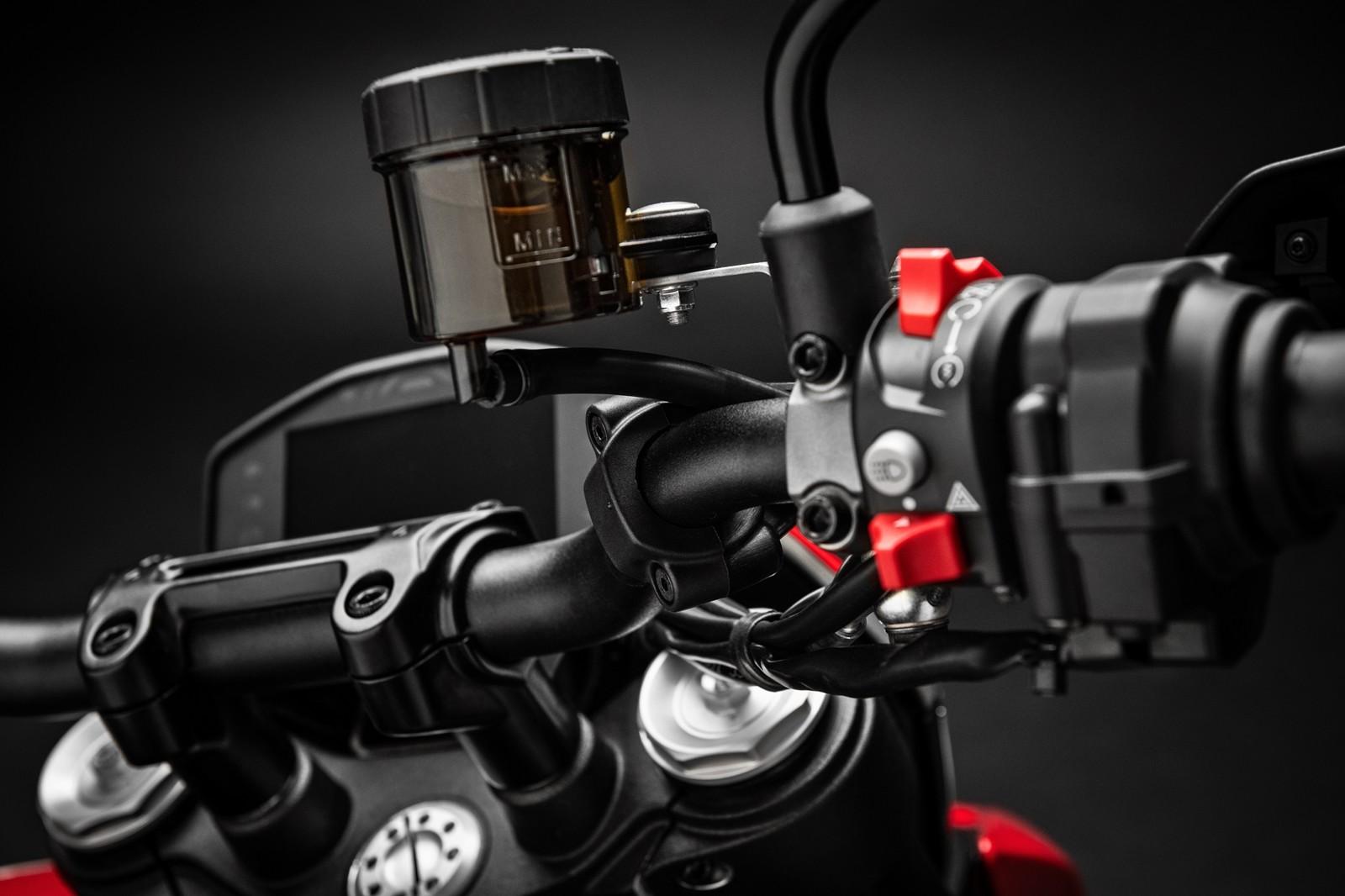 Foto de Ducati Hypermotard 950 2019 (59/76)