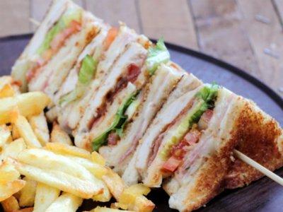 Esta es la historia del Sándwich Club (y su receta)