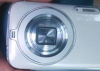 Las primeras fotos del Galaxy S5 Zoom de Samsung lo confirman: es más compacto que su predecesor