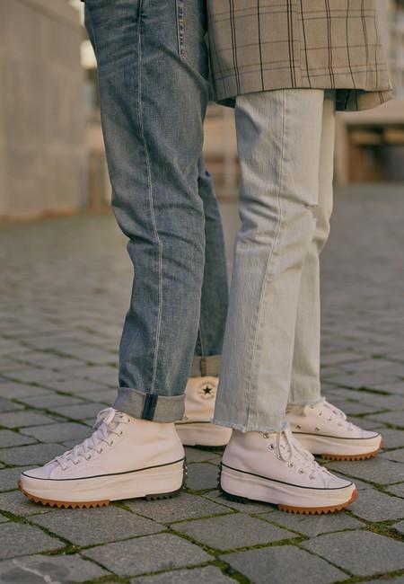 Clonados y pillados: las famosas Converse x J.W.Anderson aparecen de manera misteriosa en la nueva colección de Zara