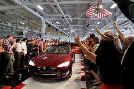 ¿Y si Apple comprase Tesla?