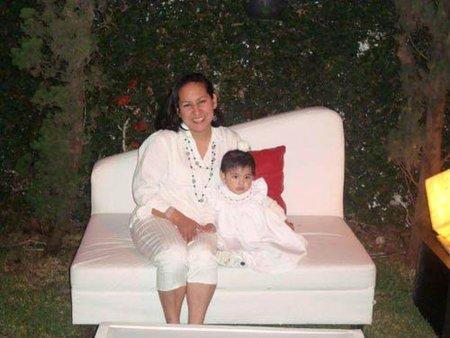 """Historias de madres: """"Sentirla en mis brazos ha hecho que nuestras vidas tengan otro sentido"""""""