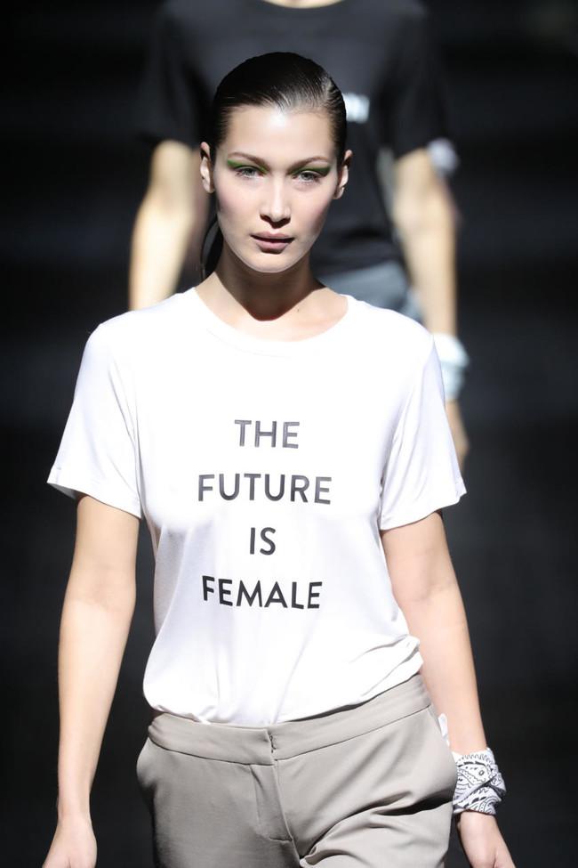 Prabal Gurung Clon Sfera Future Female Camiseta 2017
