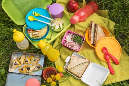 Nos vamos de excursión: accesorios imprescindibles para un picnic al aire libre