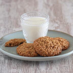 Galletas de avena caseras, la receta tradicional de un dulce clásico para la merienda