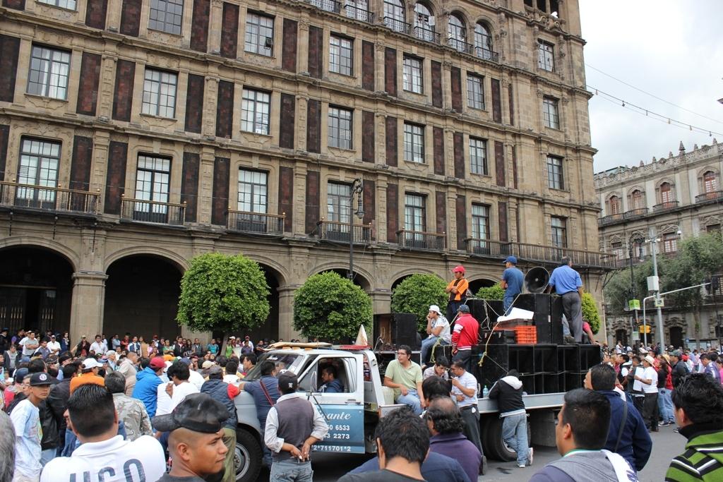 """Foto de Entrevista: hablan los afectados por el nuevo """"Hoy No Circula"""" (7/11)"""