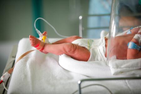Alertan sobre las visitas a los recién nacidos: hay cuatro bebés contagiados de coronavirus en Cáceres
