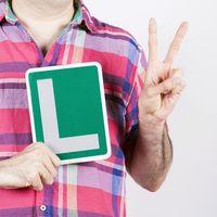 Eres conductor novel y quieres contratar un seguro de coche, ¿sabes cómo?