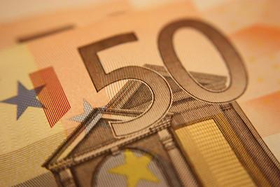 Europa quiere limitar el nivel de sobresueldos de los banqueros, mala idea