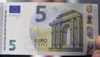 ¡No es falso! Es el nuevo billete de 5 euros