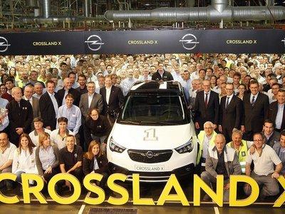 Opel da el pistoletazo de salida a la fabricación del Crossland X en Zaragoza dentro de la nueva era PSA-Opel