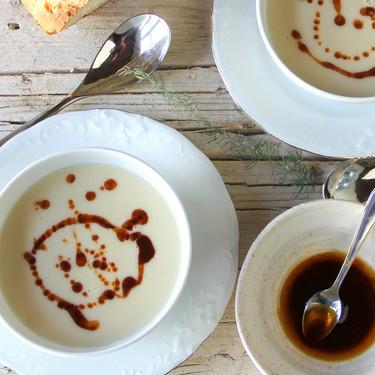 Crema de alubias blancas con aceite de pimentón, receta lista en 15 minutos