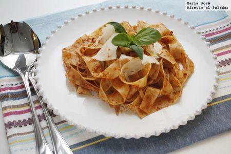 Fettuccini al pesto rojo de nueces y parmesano. Receta