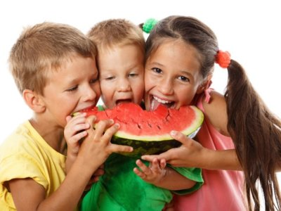 13 recetas refrescantes con sandía para los más pequeños