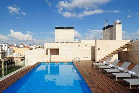 Ya est abierta la piscina del arsenal en madrid - Gimnasio con piscina madrid ...