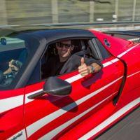 ¡Felicidades, Mark Webber! Por tu cumpleaños y el Porsche 918 Spyder que te regalaste