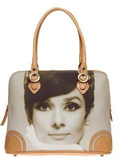 Elegante bolso de Audrey Hapburn