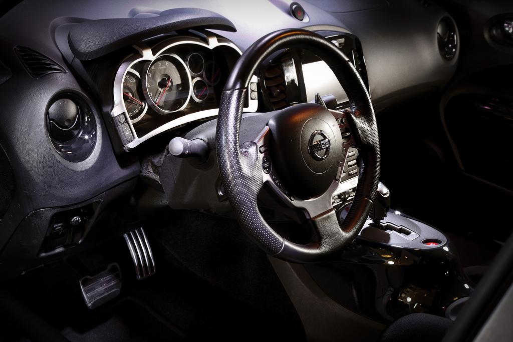 Foto de Nissan Juke-R (2/12)