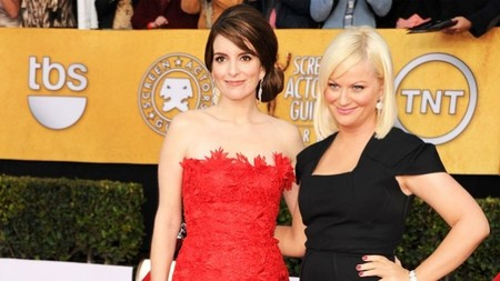 Tina Fey y Amy Poehler repiten y presentarán los Globos de Oro durante los dos próximos años