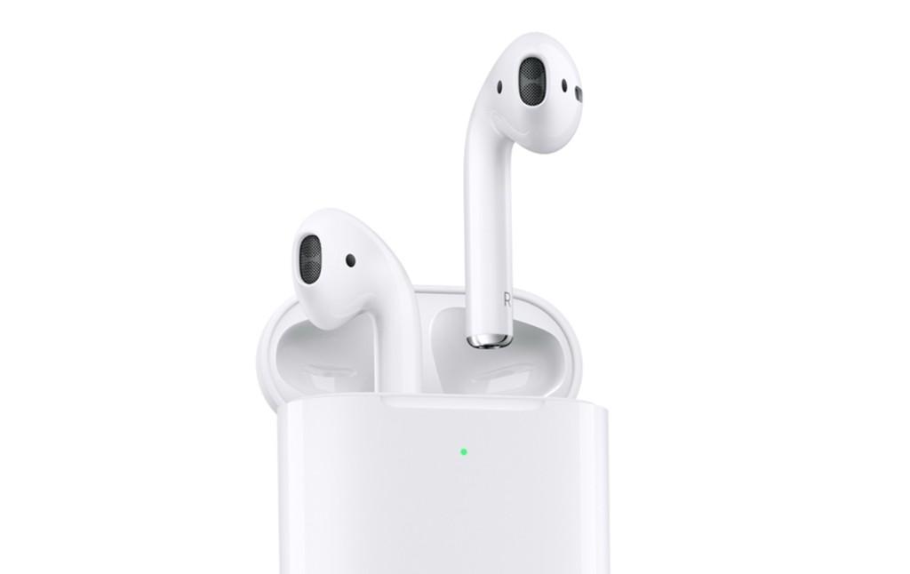 Llegan los nuevos AirPods con estuche de carga inalámbrica: más caros y con soporte de Siri en modo manos libres