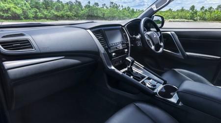 Mitsubishi Montero Sport 2020 7