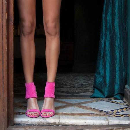 Por qué unas sandalias fucsias son la mejor compra que puedes hacer en verano