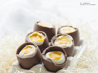 Huevos de Pascua con mousse de queso y mango. Receta de Semana Santa