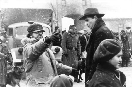 Steven Spielberg y Liam Neeson en el rodaje de La Lista de Schindler