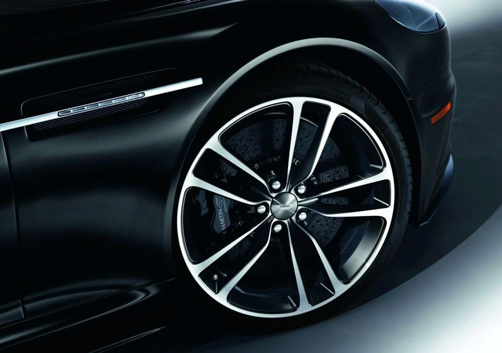 Foto de Aston Martin DBS y V12 Vantage Carbon Black (2/6)