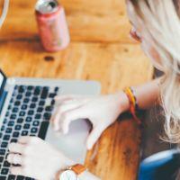 ¿Te acabas de graduar y no encuentras trabajo? LinkedIn Students está hecho para ti