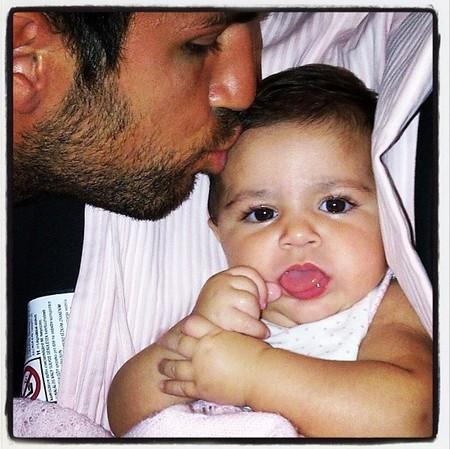 Qué bien empieza el día Lia Fábregas con besito de papá