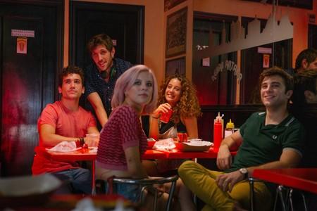 Jota Linares con los actores de su nuevo film
