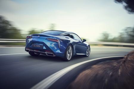 Lexus LC: V8 e híbrido, para mayo de 2017