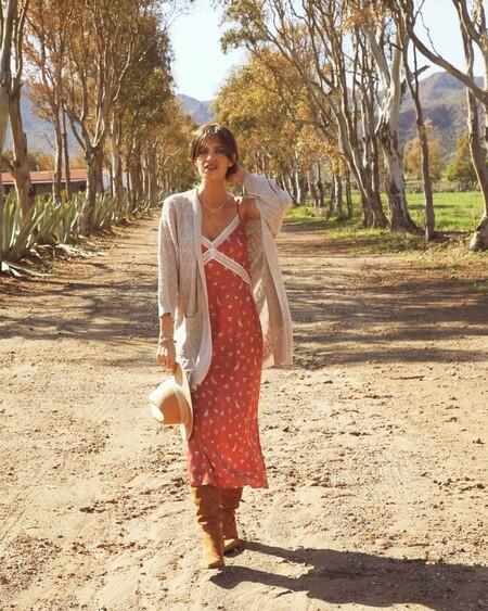 Nueve vestidos de Slow Love con los que nos conquistó Sara Carbonero y que ahora están de rebajas
