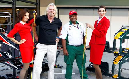 Tras varios años, la apuesta entre Tony Fernandes y Richard Branson va a ser finalizada