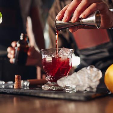 24 cócteles fáciles que puedes hacer en casa para no echar de menos los bares