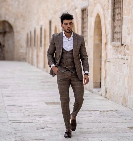 El Mejor Street Style De La Semana Brown Suit Trendencias Hombre 08