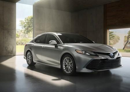 Toyota Camry 2018, la octava generación rompe el molde de diseño